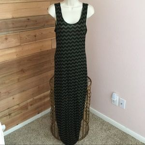 Dresses & Skirts - Green and Black chevron maxi dress